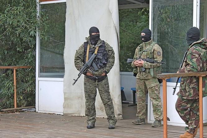 """Cận cảnh đặc công Nga """"chống khủng bố"""" (chùm ảnh) ảnh 9"""