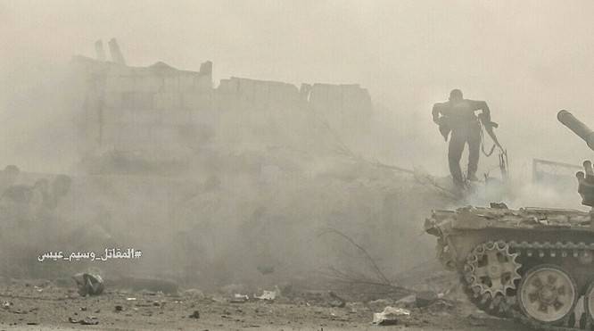 Hỏa lực Syria tấn công dữ dội phiến quân thánh chiến ven Damascus (video - ảnh) ảnh 10