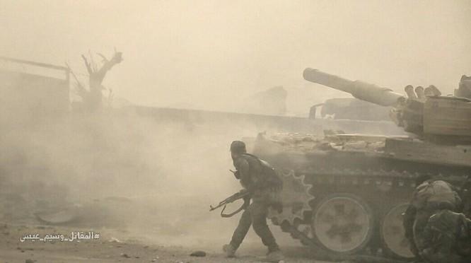Hỏa lực Syria tấn công dữ dội phiến quân thánh chiến ven Damascus (video - ảnh) ảnh 11