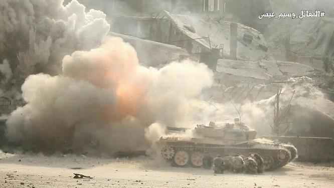 Hỏa lực Syria tấn công dữ dội phiến quân thánh chiến ven Damascus (video - ảnh) ảnh 17