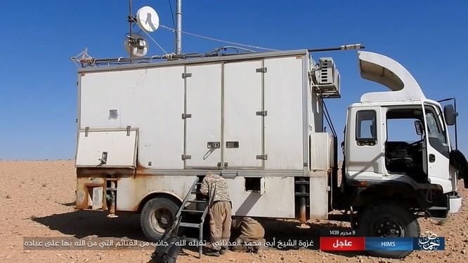 IS dồn quân thiện chiến, xe tăng quyết ăn thua với quân đội Syria ảnh 2