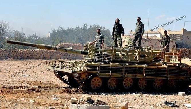 Chảo lửa Homs sôi sục, IS quyết kéo quân đội Syria khỏi Deir Ezzor ảnh 2