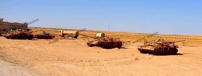 Chảo lửa Homs sôi sục, IS quyết kéo quân đội Syria khỏi Deir Ezzor ảnh 3