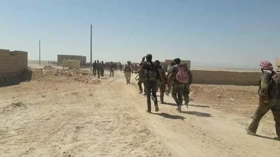 """Nga oanh kích dữ dội, """"Hổ Syria"""" đánh bật IS chiếm sào huyệt al-Mayadin ảnh 1"""