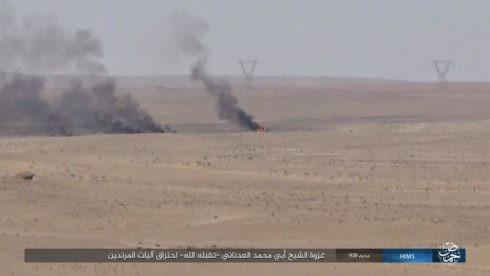 Quân đội Syria chiếm lại cao tốc Al-Sukhnah-Deir Ezzor, IS dồn binh bảo vệ sào huyệt ảnh 3