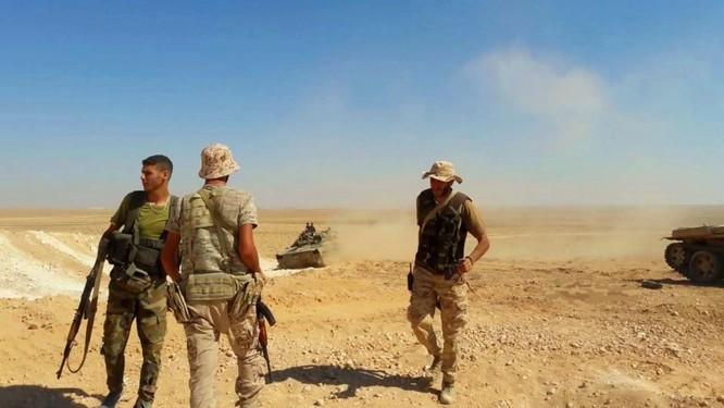 """""""Hổ Syria"""" xung trận đánh chiếm sào huyệt IS tại Deir Ezzor (video) ảnh 2"""