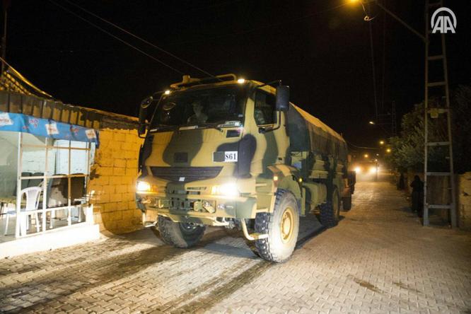 Thổ Nhĩ Kỳ điều binh vào lãnh thổ Syria, liên thủ với phiến quân khủng bố (video) ảnh 1