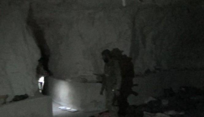 Quân đội Syria xốc tới đánh diệt IS tại Homs -Hama, đoạt kho vũ khí khổng lồ (chùm video) ảnh 4
