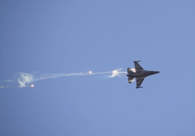 """Syria phóng tên lửa """"đánh trúng"""" siêu tiêm kích F-35 Israel? ảnh 2"""