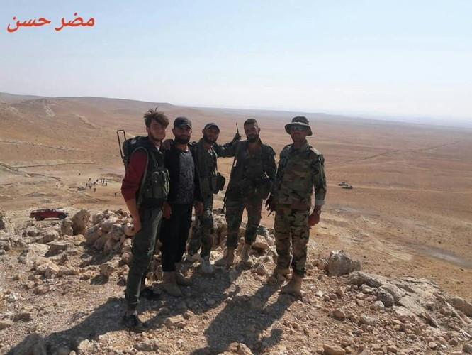 """Quân Syria giải phóng làng """"nô lệ tình dục"""" IS tại Hama (video) ảnh 3"""