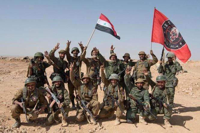 """Đặc nhiệm Săn IS tiến đánh IS, người Kurd """"đâm sau lưng"""" quân đội Syria (video) ảnh 2"""