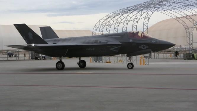 Phi đội F-35B Mỹ sẵn sàng chiến đấu với Triều Tiên (video) ảnh 3