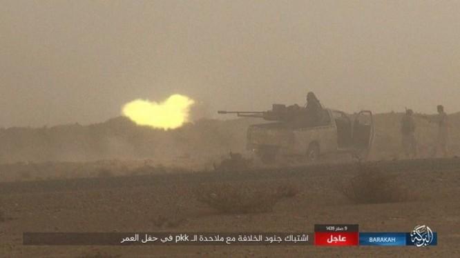 """IS bất ngờ """"trở giáo"""" tung đòn đánh người Kurd tại mỏ dầu chiến lược Al-Omar ảnh 7"""