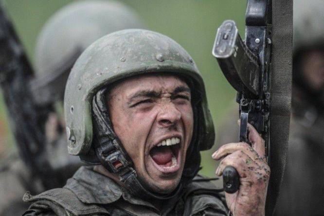 """Nghẹt thở xem Nga rèn lính đặc nhiệm """"mũ đỏ"""" (ảnh - video) ảnh 7"""