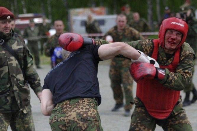 """Nghẹt thở xem Nga rèn lính đặc nhiệm """"mũ đỏ"""" (ảnh - video) ảnh 9"""