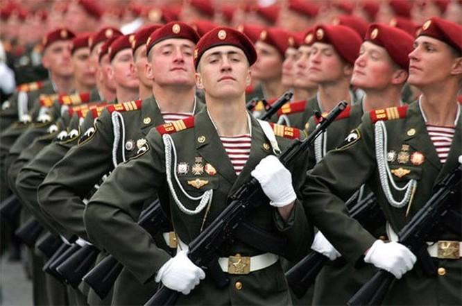 """Nghẹt thở xem Nga rèn lính đặc nhiệm """"mũ đỏ"""" (ảnh - video) ảnh 20"""