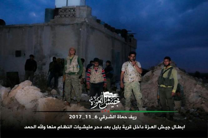 Phiến quân Syria Mỹ hậu thuẫn phản công lớn trên chiến trường Hama ảnh 7
