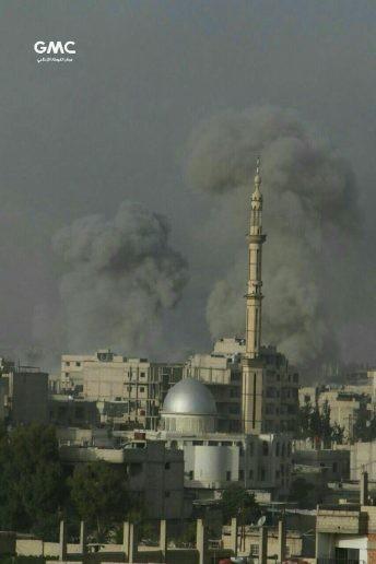 Quân đội Syria đánh phá dữ dội phiến quân cố thủ ven Damascus (video) ảnh 2