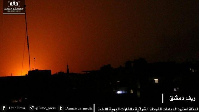 Quân đội Syria đánh phá dữ dội phiến quân cố thủ ven Damascus (video) ảnh 7