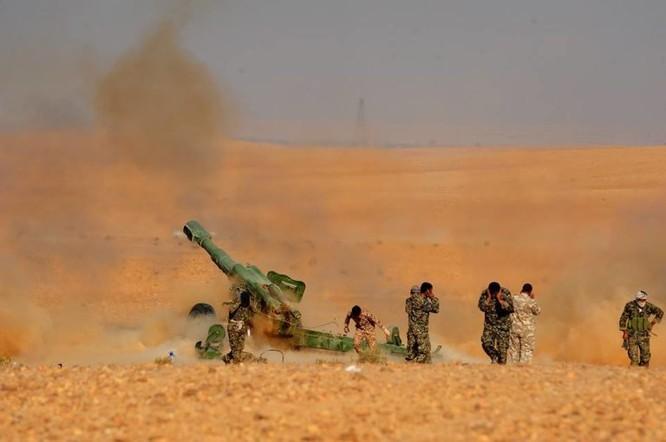 Quân đội Syria đánh phá ác liệt IS cố thủ sào huyệt al-Bukamal ảnh 3