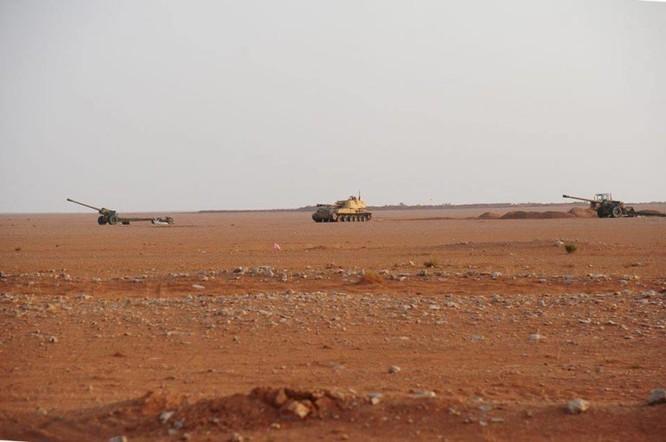 Quân đội Syria đánh phá ác liệt IS cố thủ sào huyệt al-Bukamal ảnh 5