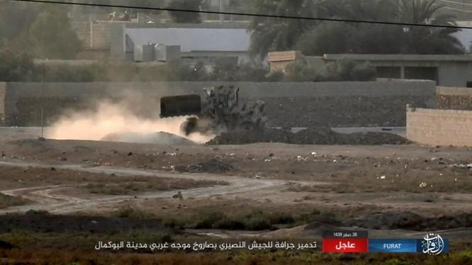 Liên quân Mỹ ngăn chặn quân đội Syria đánh vào sào huyệt IS tại AbuKamal ảnh 6