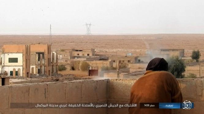 Liên quân Syria tung đòn tiêu diệt IS tại tử địa Albukamal (video) ảnh 7