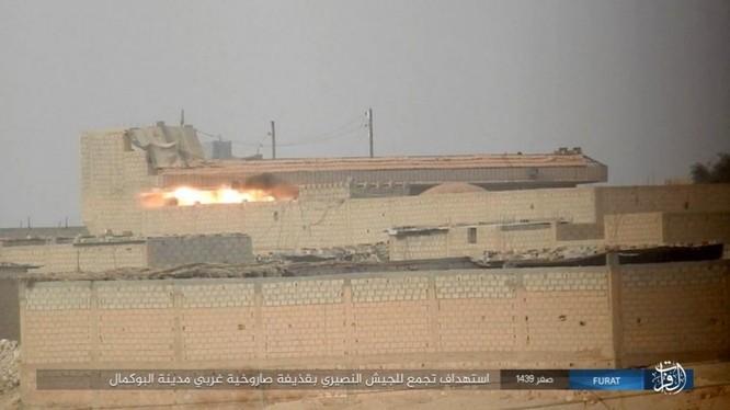 Liên quân Syria tung đòn tiêu diệt IS tại tử địa Albukamal (video) ảnh 13