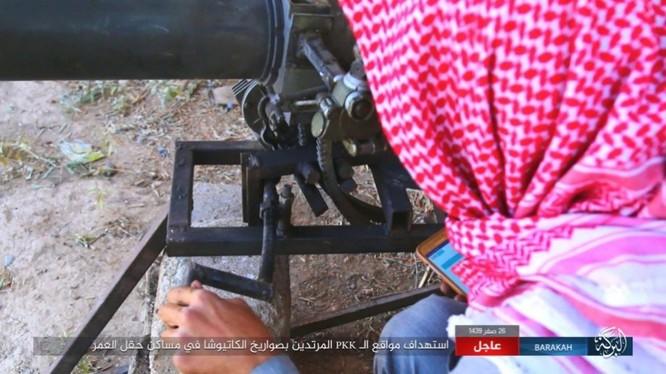 IS nã pháo phản lực giáng trả người Kurd càn quét Euphrates ảnh 6
