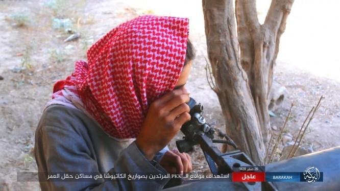 IS nã pháo phản lực giáng trả người Kurd càn quét Euphrates ảnh 7