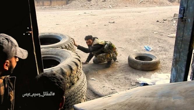 Chiến sự Syria: Quân Assad phản công tái chiếm địa bàn ngoại vi Damascus ảnh 1