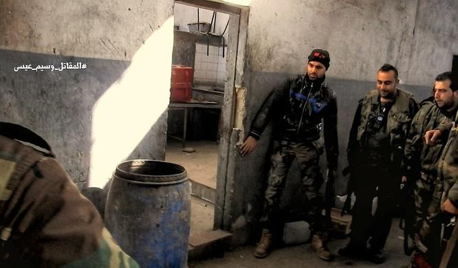 Chiến sự Syria: Quân Assad phản công tái chiếm địa bàn ngoại vi Damascus ảnh 8