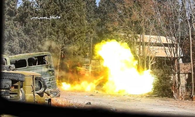 Chiến sự Syria: Quân Assad phản công tái chiếm địa bàn ngoại vi Damascus ảnh 10