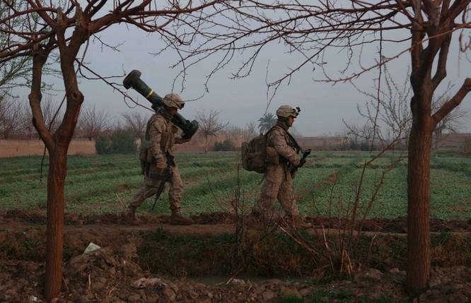 """Kích Ukraine """"tất tay"""" với Nga, Mỹ thúc đẩy cấp tên lửa Javenlin ảnh 2"""