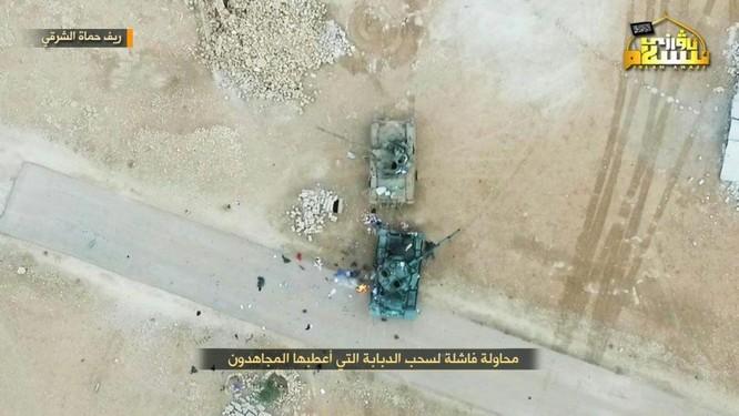 Quân Syria thua trận bỏ cả xe tăng tháo chạy tại Hama (video) ảnh 3