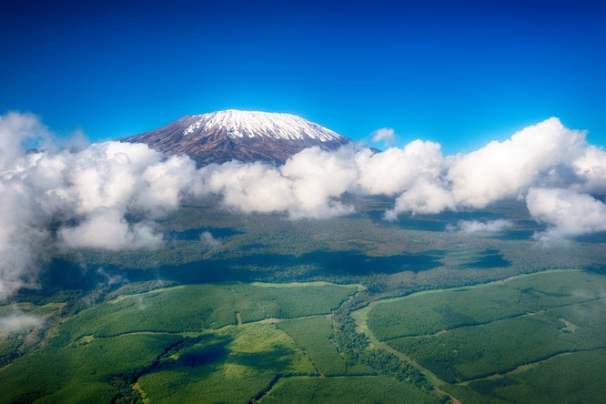 Từ Matterhorn đến Kilimanjiro, những ngọn núi đẹp sửng sốt bậc nhất thế giới ảnh 3