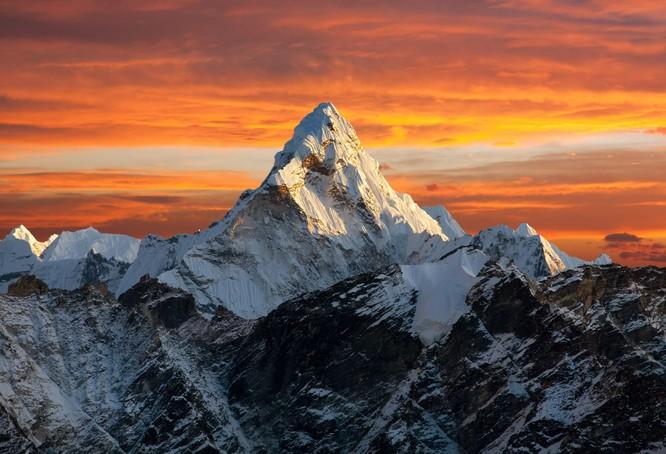 Từ Matterhorn đến Kilimanjiro, những ngọn núi đẹp sửng sốt bậc nhất thế giới ảnh 17