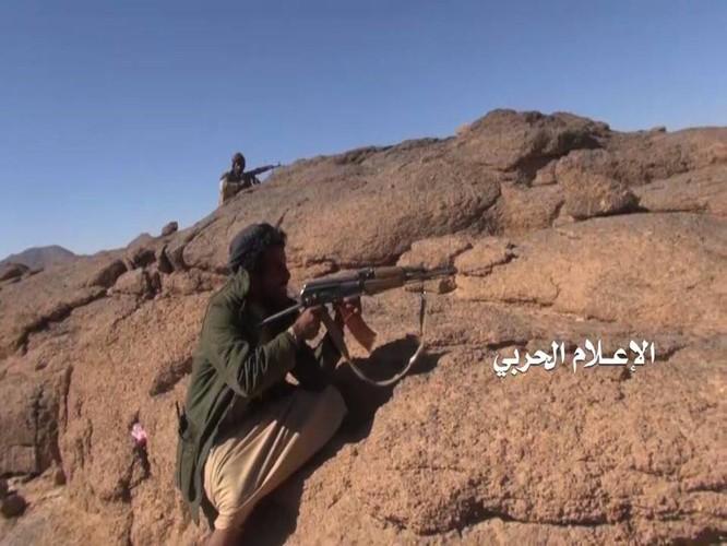 Liên quân Ả rập Xê út kích chiến phiến quân Houthi, dân Yemen đối mặt thảm họa ảnh 9