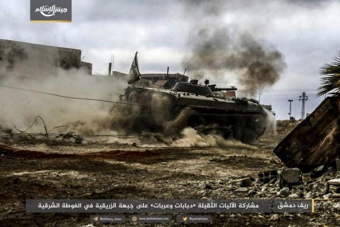 Quân đội Syria phản kích chọc thủng vòng vây tại ven Damascus ảnh 1
