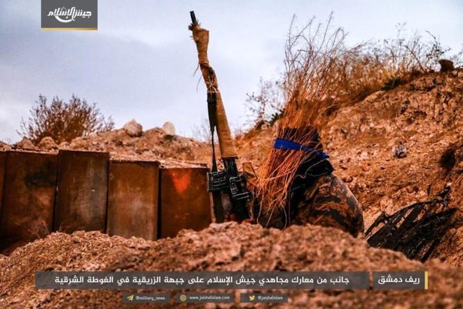 Quân đội Syria phản kích chọc thủng vòng vây tại ven Damascus ảnh 3