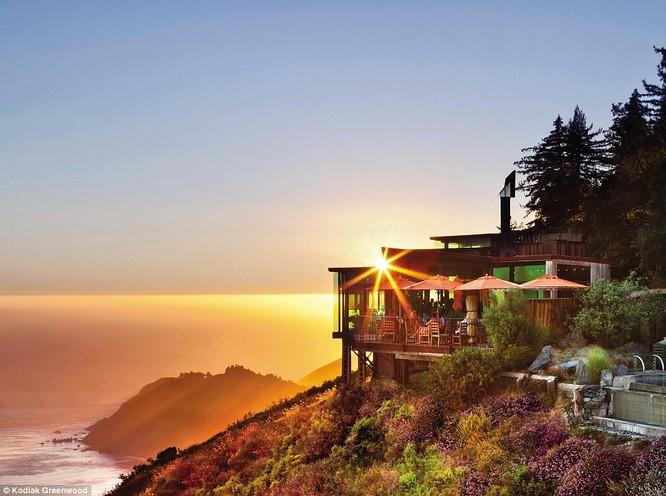 """""""Đột nhập"""" khách sạn lãng mạn bậc nhất thế giới nằm trên bờ Tây nước Mỹ ảnh 1"""
