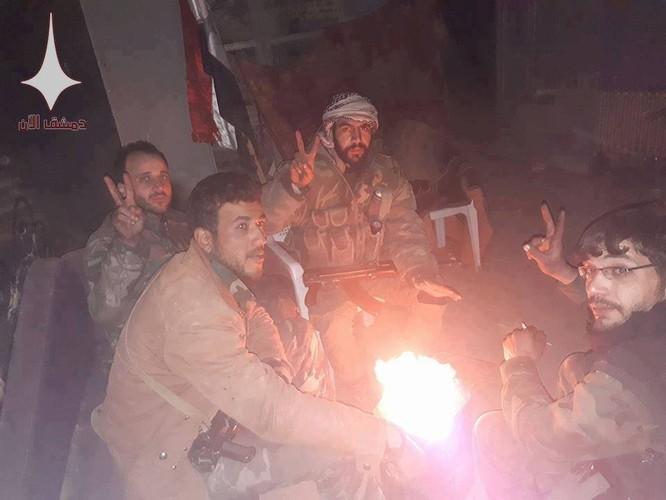 Quân đội Syria nã hàng trăm tên lửa diệt phiến quân ở tử địa Đông Ghouta ảnh 4