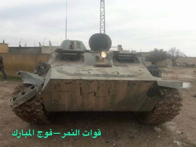 Phản công thảm họa, phiến quân Al-Qaeda Syria mất cả tướng lẫn xe ảnh 2