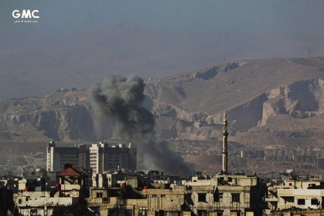 Quân đội Syria tử chiến giành 20 tòa nhà, diệt 170 phiến quân khủng bố ven Damascus ảnh 3