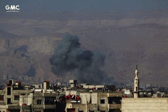 Quân đội Syria tử chiến giành 20 tòa nhà, diệt 170 phiến quân khủng bố ven Damascus ảnh 4