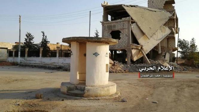 """""""Hổ Syria"""" đè bẹp địch đoạt hàng chục cứ địa, khủng bố công khai sử dụng vũ khí hóa học ảnh 1"""
