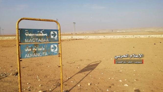 """""""Hổ Syria"""" đè bẹp địch đoạt hàng chục cứ địa, khủng bố công khai sử dụng vũ khí hóa học ảnh 2"""