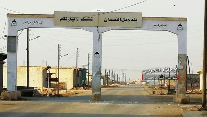 """""""Hổ Syria"""" đè bẹp địch đoạt hàng chục cứ địa, khủng bố công khai sử dụng vũ khí hóa học ảnh 3"""