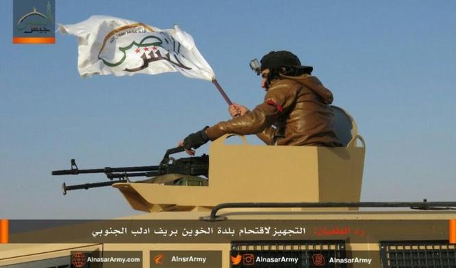 """""""Hổ Syria"""" đè bẹp địch đoạt hàng chục cứ địa, khủng bố công khai sử dụng vũ khí hóa học ảnh 5"""