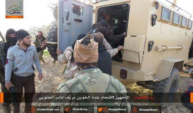 """""""Hổ Syria"""" đè bẹp địch đoạt hàng chục cứ địa, khủng bố công khai sử dụng vũ khí hóa học ảnh 6"""